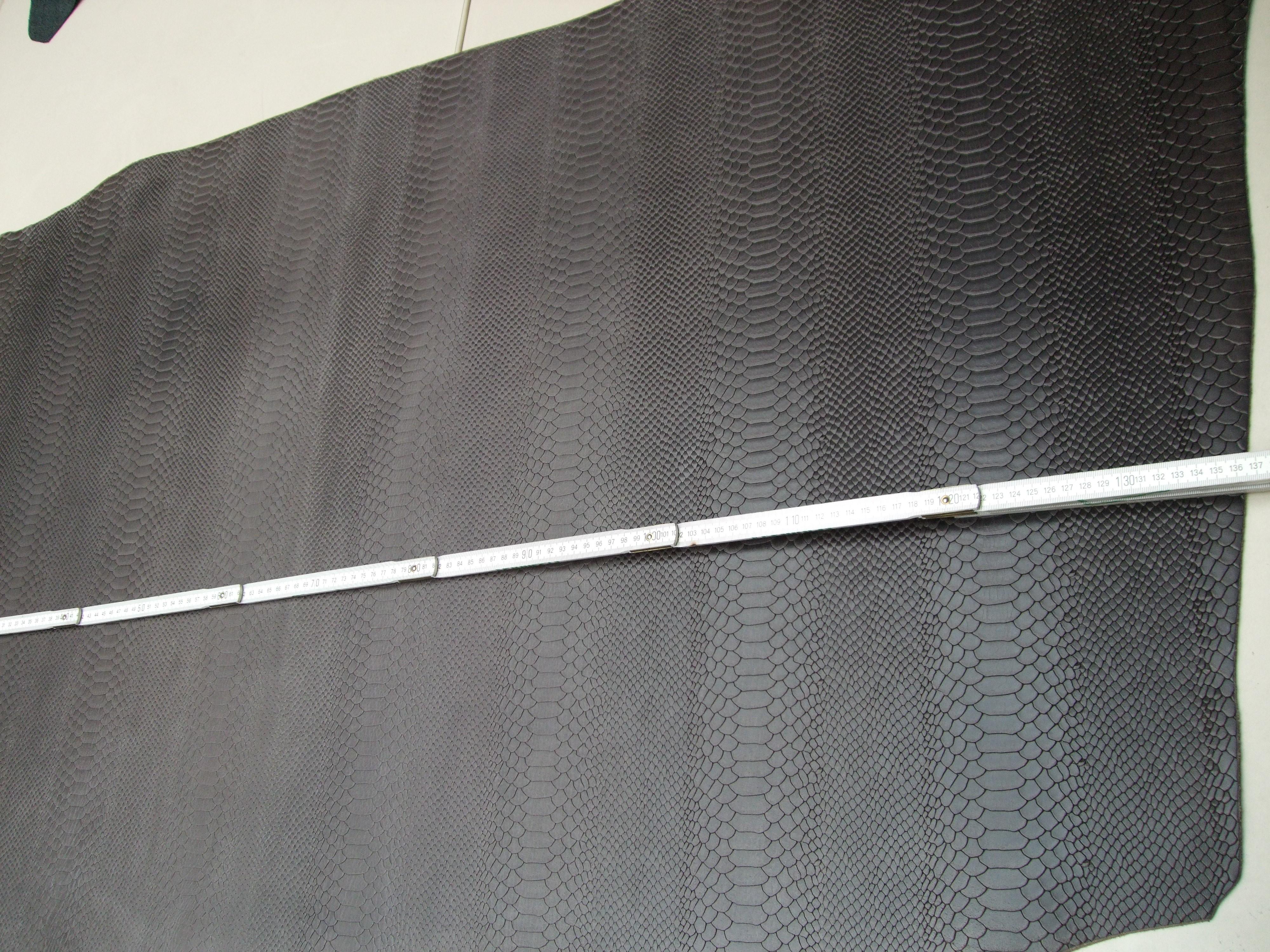 Wasserbüffelcroupon, Schlangenprägung schlamm-grau 3,0 mm (E1853SG) Zur Zeit leider ausverkauft