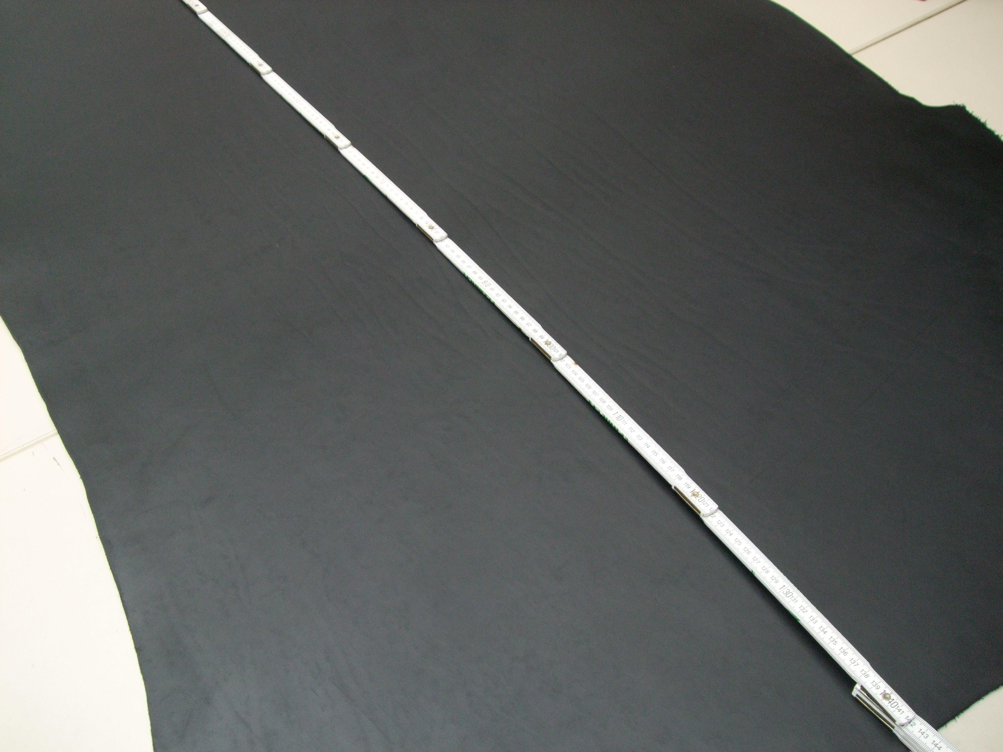 Rinderhälse gefettet (I) schwarz (E1867S) 3,8mm