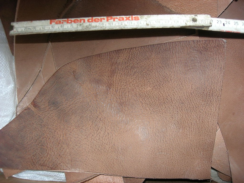 Wasserbüffelcrouponreste natur antik 3,5 mm (E20780WR)