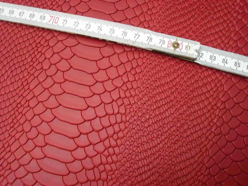 Wasserbüffelcroupon rot Schlangenprägung 3mm (EC2039R)