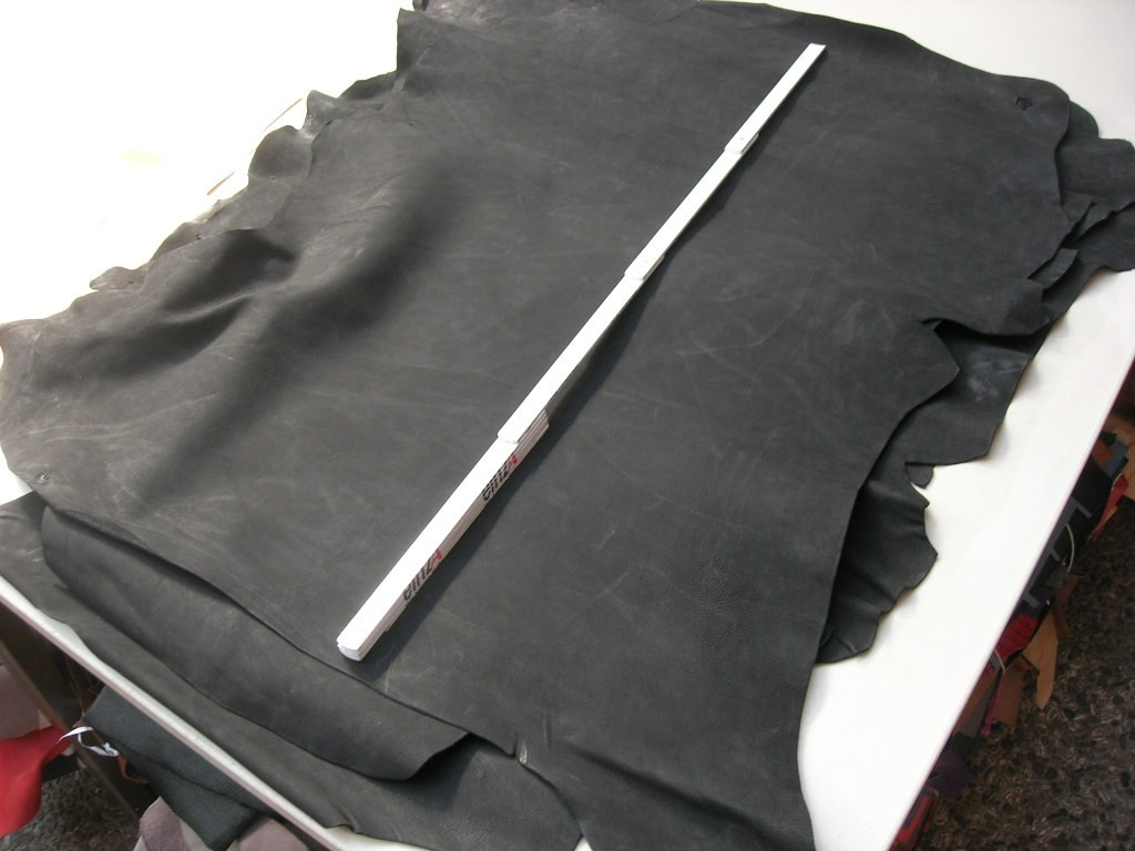 Ziegennubuk schwarz 1,3 mm (OR189KZN) Zur Zeit leider ausverkauft