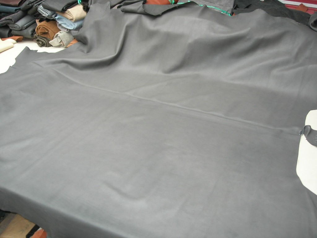 Rindleder mittelgrau 1,5 mm genarbt anilin (E191150K1) Zur Zeit ausverkauft