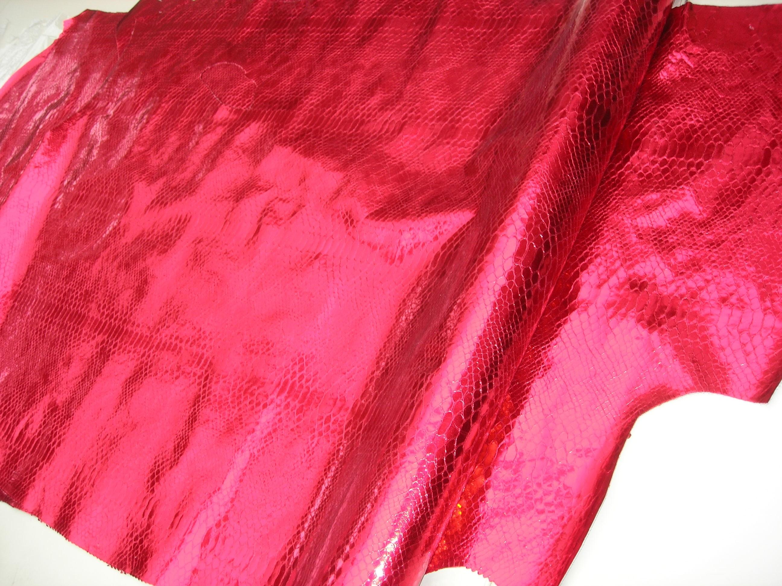 Kalbhälften weihnachtskugel-metallicrot-kroko (O1317MK)