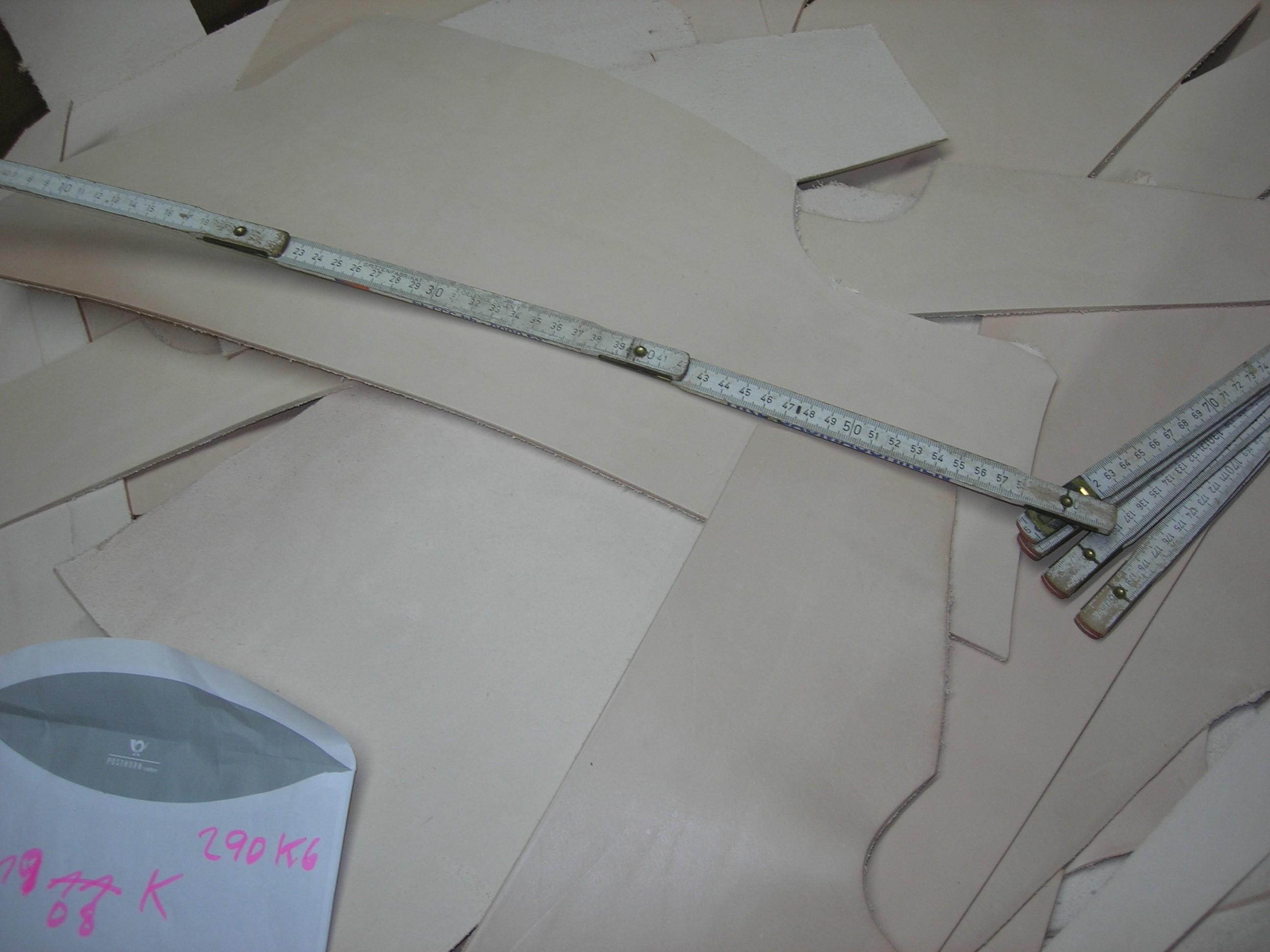 Blankleder Crouponreste natur (E1908KN). Zur Zeit Ausverkauft.