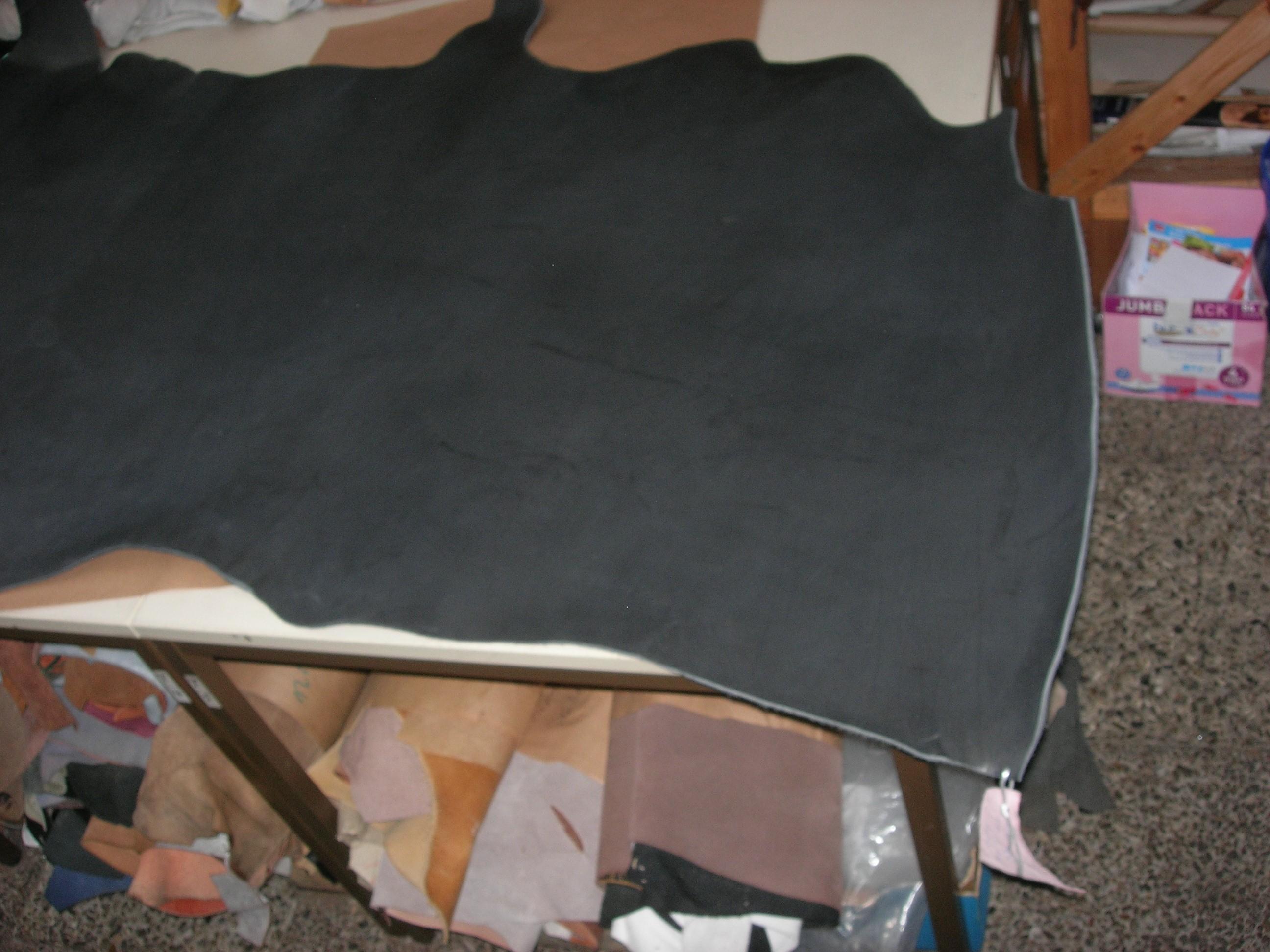 Vegetabile Rindhälften schwarz (SL1845RS). Zur Zeit leider ausverkauft.