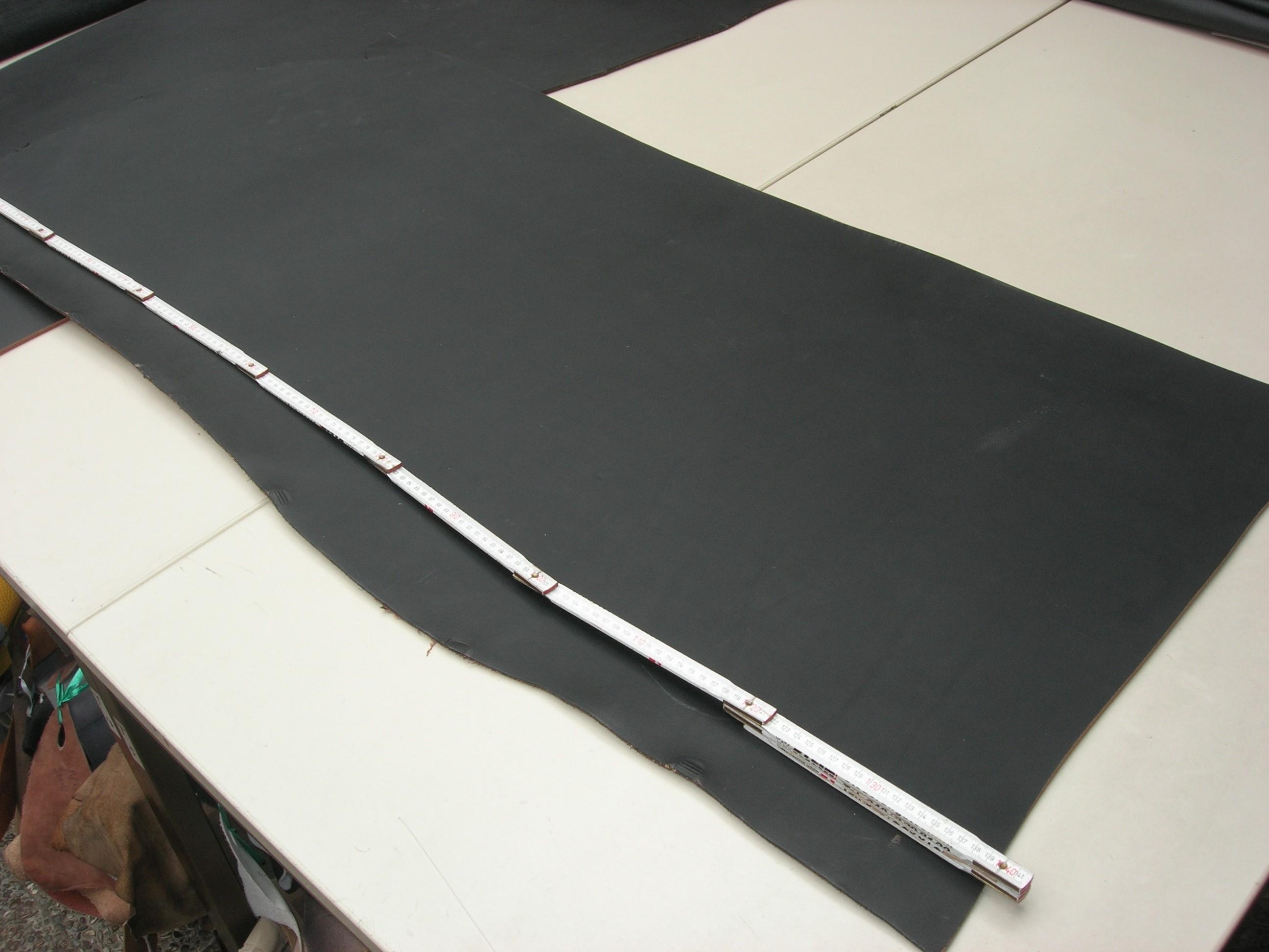Rindcroupon schwarz kopfgedeckt 5-5,5mm (SK1824C)