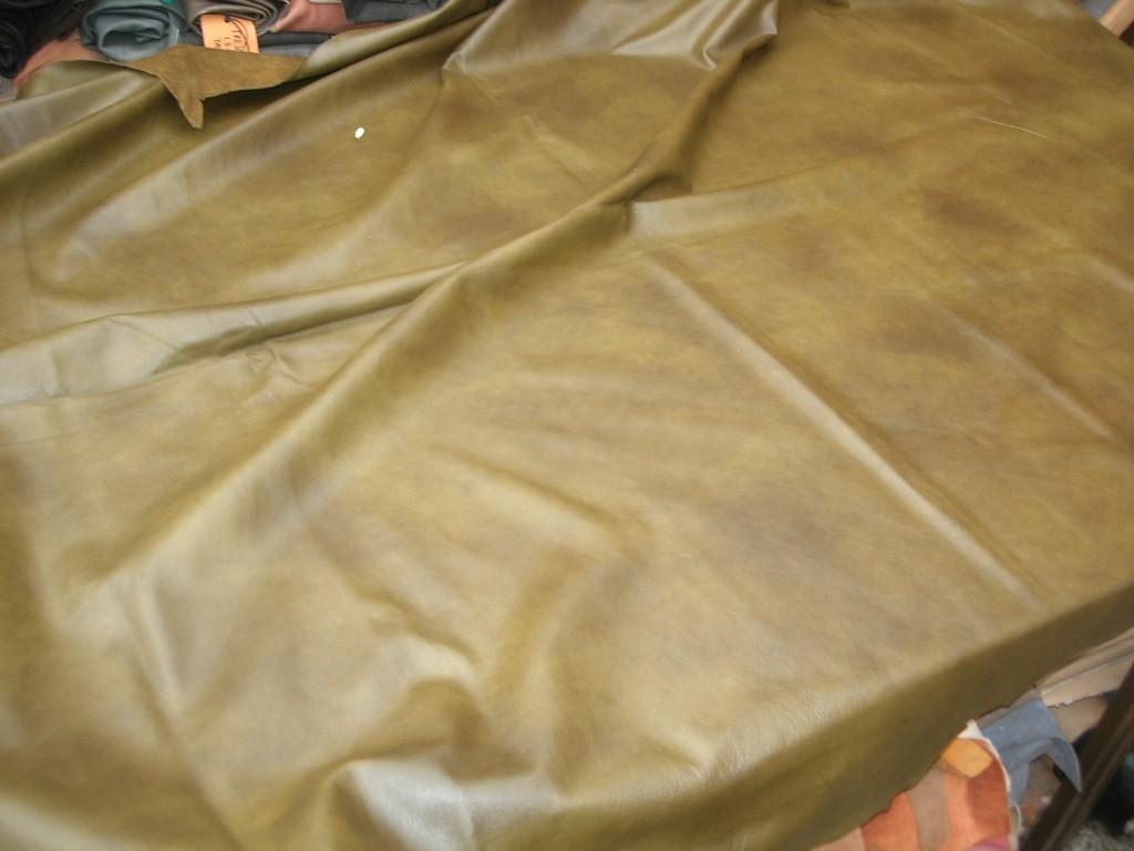 Möbelleder oliv antik 1,1mm (E201150KG1)