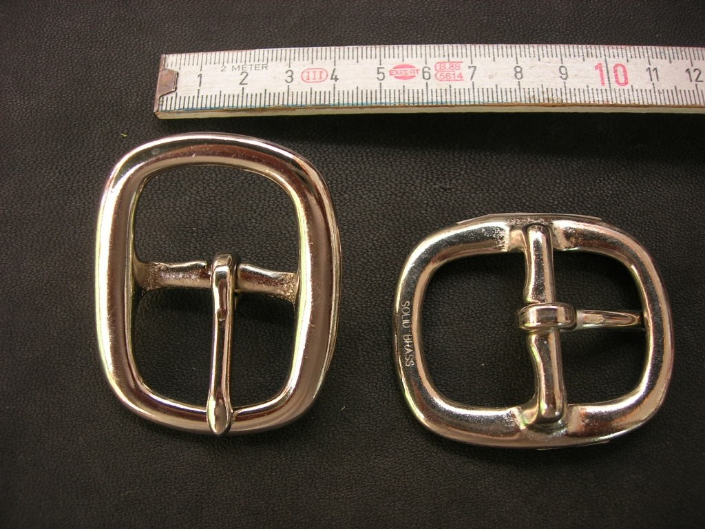 Doppelschnalle 3,0 cm massiv messing vernickelt (5705B1 1/8NI).