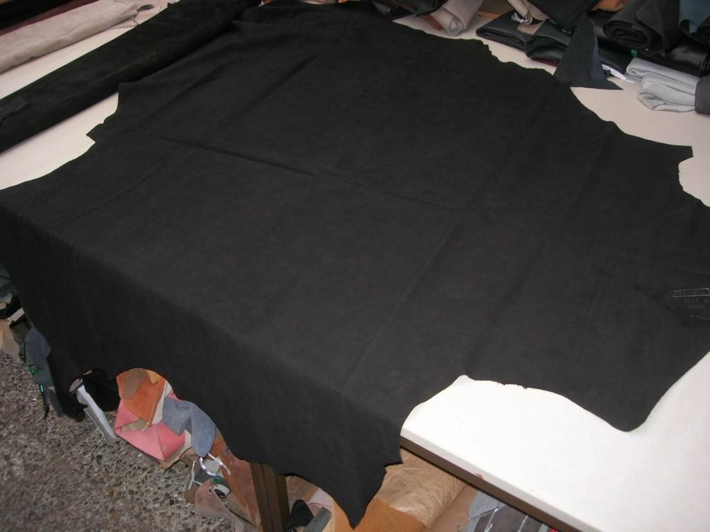 Wasserbüffel schwarz geschliffen 1,5mm (AK201550)