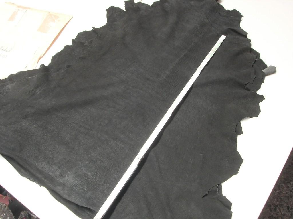 Lammnubuk schwarz 0,9mm weich (A1810LN)