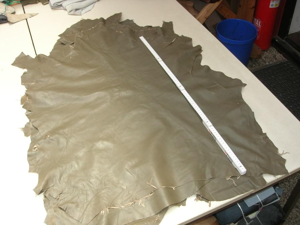 Lammnappa oliv 0,6mm (O1415KG)