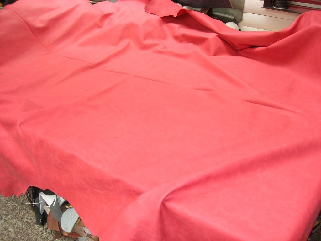 Möbelleder rot leicht angeschliffen 1,5 mm (E191150KR31)
