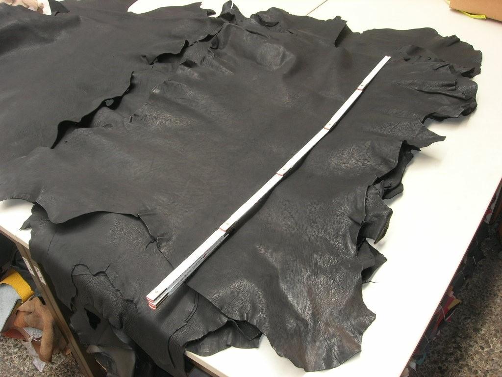 Ziegenleder schwarz 1,2 mm genarbt, ausdrucksstark (O1713KSZ)