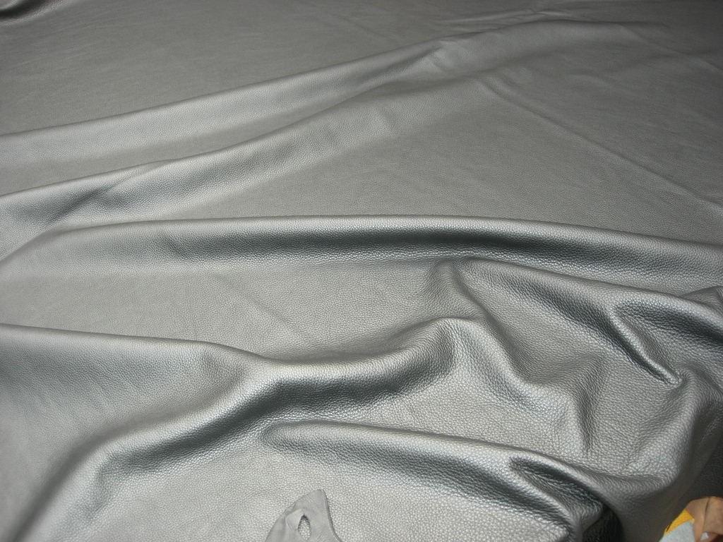 Möbelleder schwarz Millkorn anilin 1,5 mm (FA212550S)