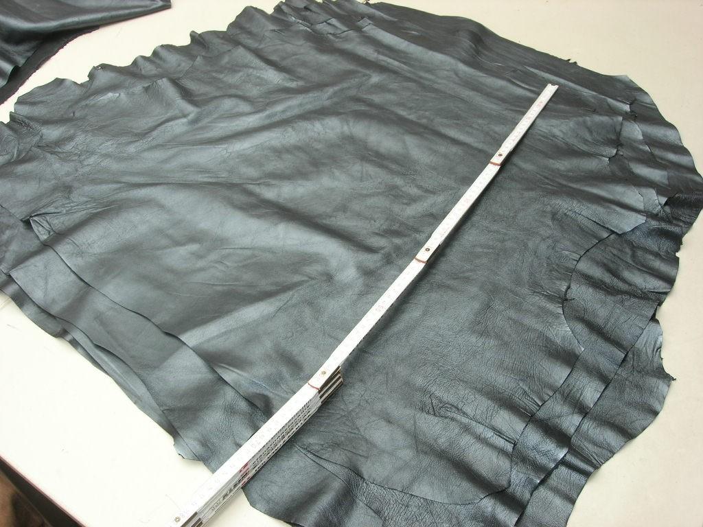 Lammnappa schwarz silbrig-metallic 0,5-0,6mm (T1614KLM)