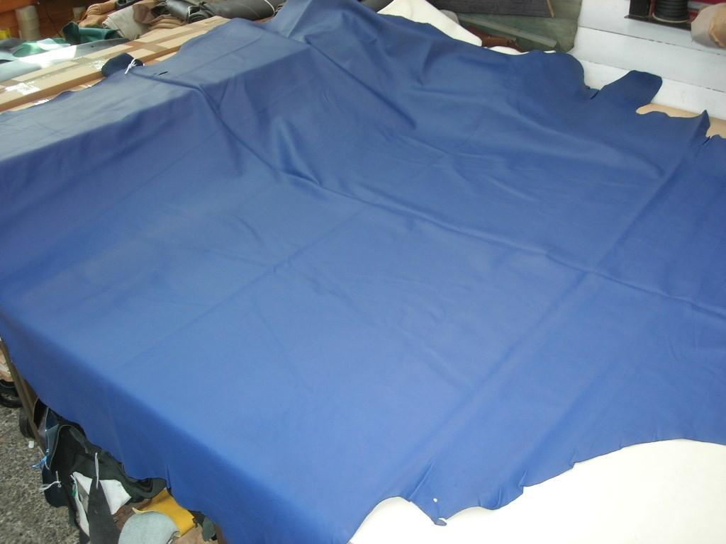 Möbelleder königsblau 1,2mm semianilin chromfrei (F1820BL4)  Leider zur Zeit ausverkauft.