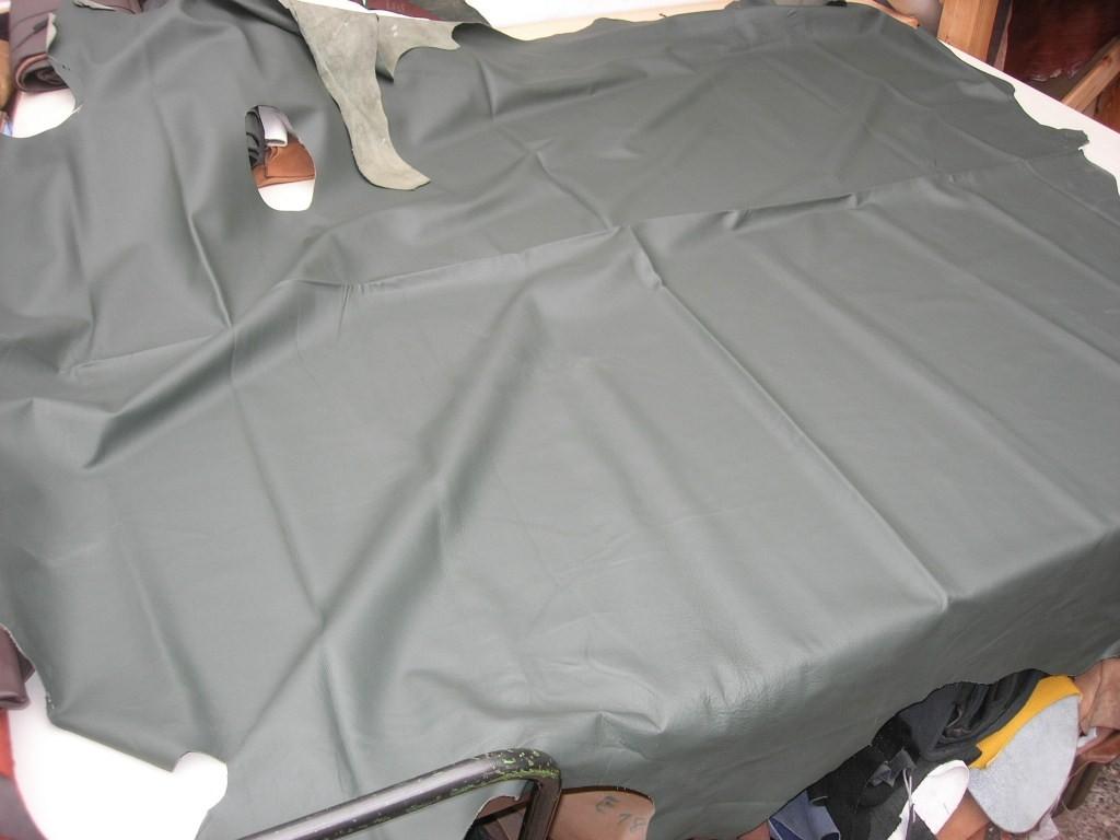 Möbelleder dunkelgrün 1,2mm gedeckt weich (C1315G15)