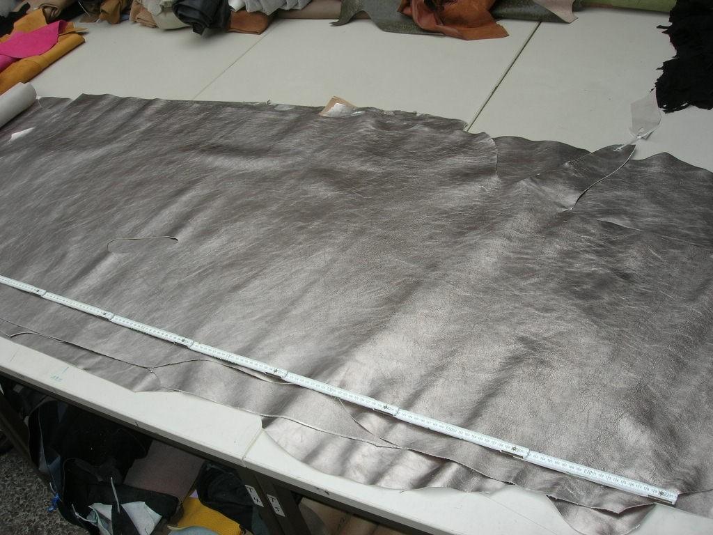 Kalblederhälften altsilber 1,2mm (O1717SI)